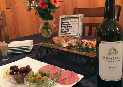 ForFriends Inn Wine & Hors d'oeuvres Hour