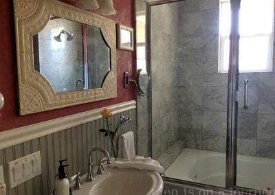 ForFriends Inn Imagine Bathroom